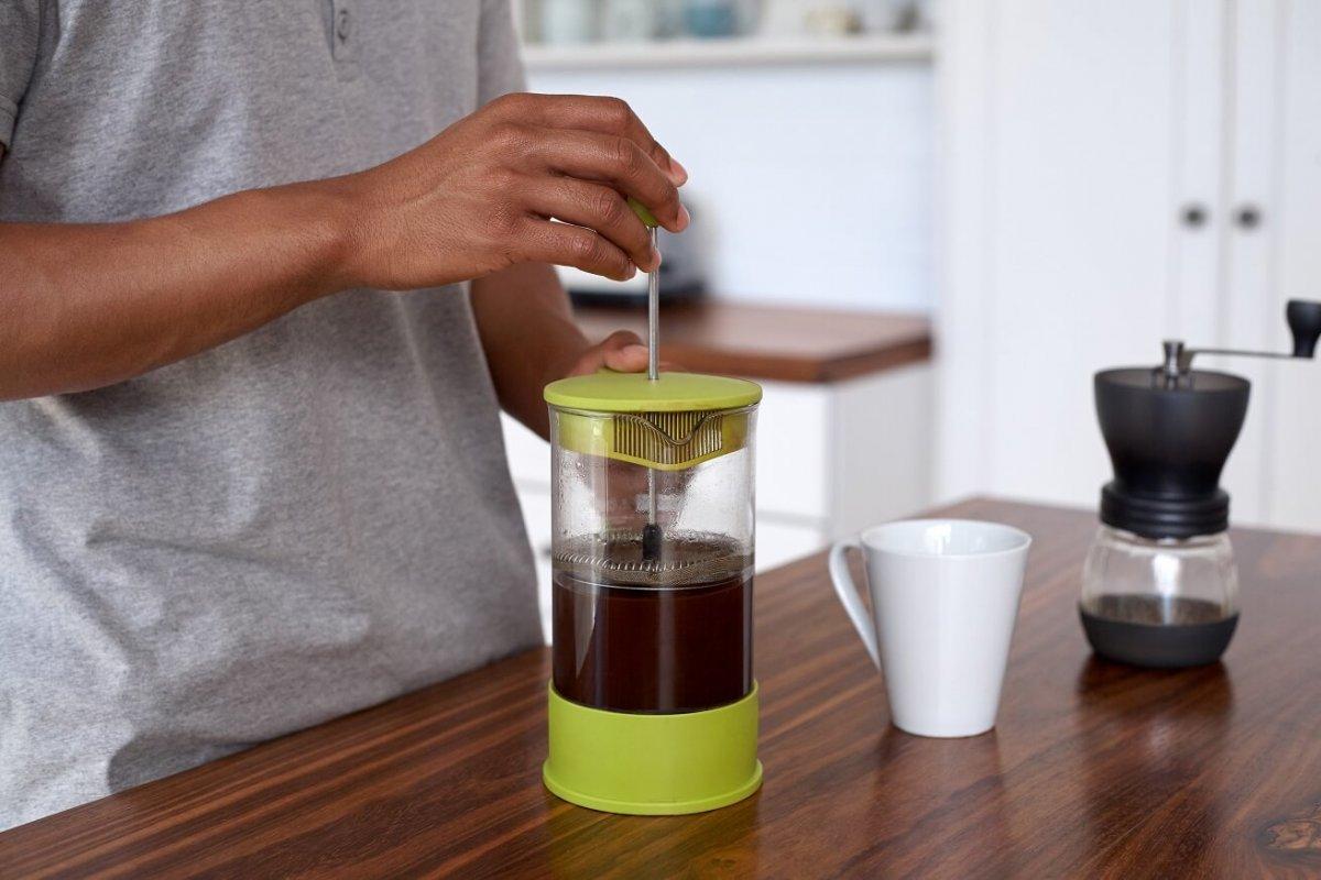la meilleure cafeti re piston pour un caf riche et. Black Bedroom Furniture Sets. Home Design Ideas